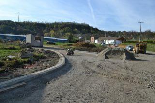Patak utca: útépítési munkák, szennyvízvezeték-, ivóvízvezeték-, gázvezeték kiváltási munkák