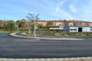Tröszt utca: útépítési munkák, aszfaltozás, közvilágítás bővítési munkák